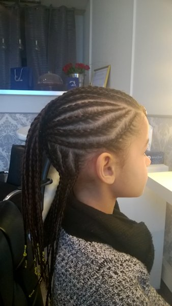 Coiffartiste tresses collees